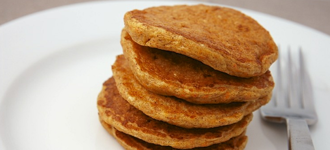 Recipe: Carrot Cake Protein Pancakes - DIY Active