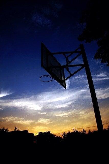 basketball-hoop-781379_640