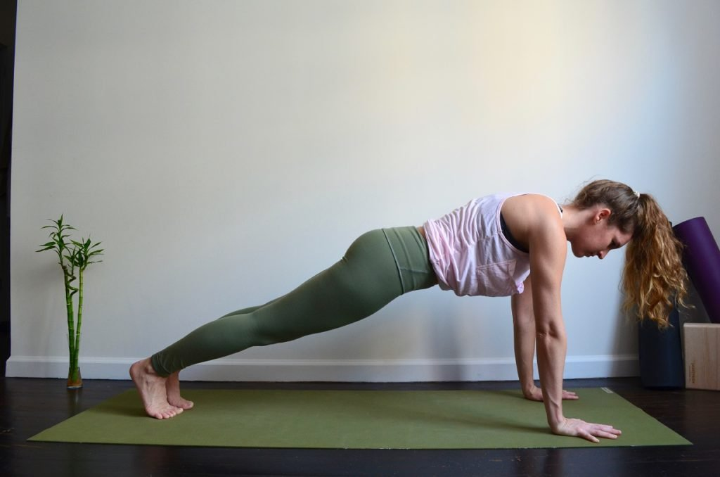 5 Fat Burning Yoga Poses You Have to Try plank