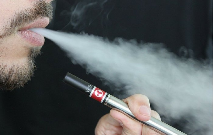 electronic cigarettes, electronic cigarette smoking