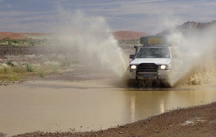 5 Offroading Tools To Get You Home Safe