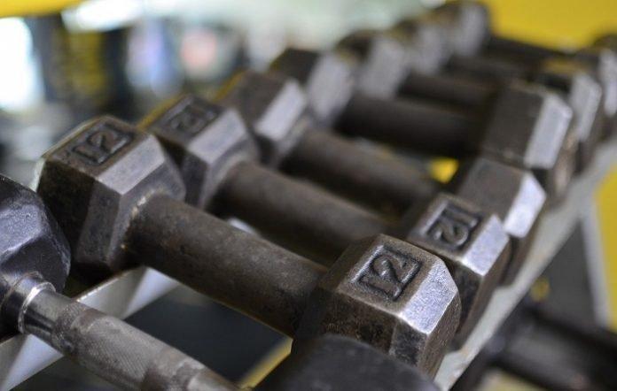 Conseils pour le Nettoyage de Votre Équipement de Gym à Domicile